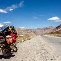 A fully loaded Hero Honda CBZ at Sarchu