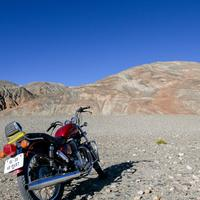 A Royal Enfield Thunderbird on the Pangong lake.