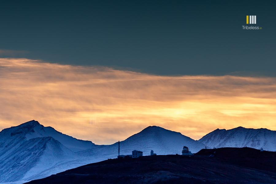 Sunset colours above the Hanle Observatory in winter