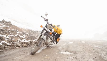 Wind, Rain and Snow after crossing Lachulung La