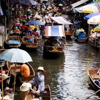 The busy lanes of the Damnoen Saduak Floating Market, Bangkok